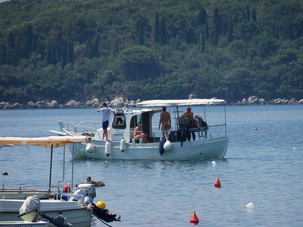 le petit bateau du club de plongée