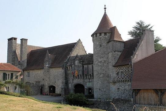 Un chateau médiéval dans toute sa splendeur