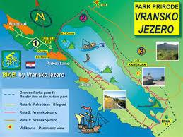 Le Lac de Vrana, est le plus grand lac d'eau douce de Croatie. Il mesure près de 14 km de long sur environ 2 de large.