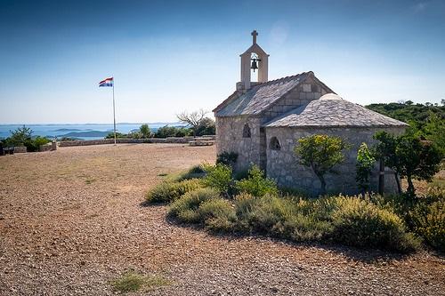C'est devant ce paysage magnifique que se situe la chapelle.
